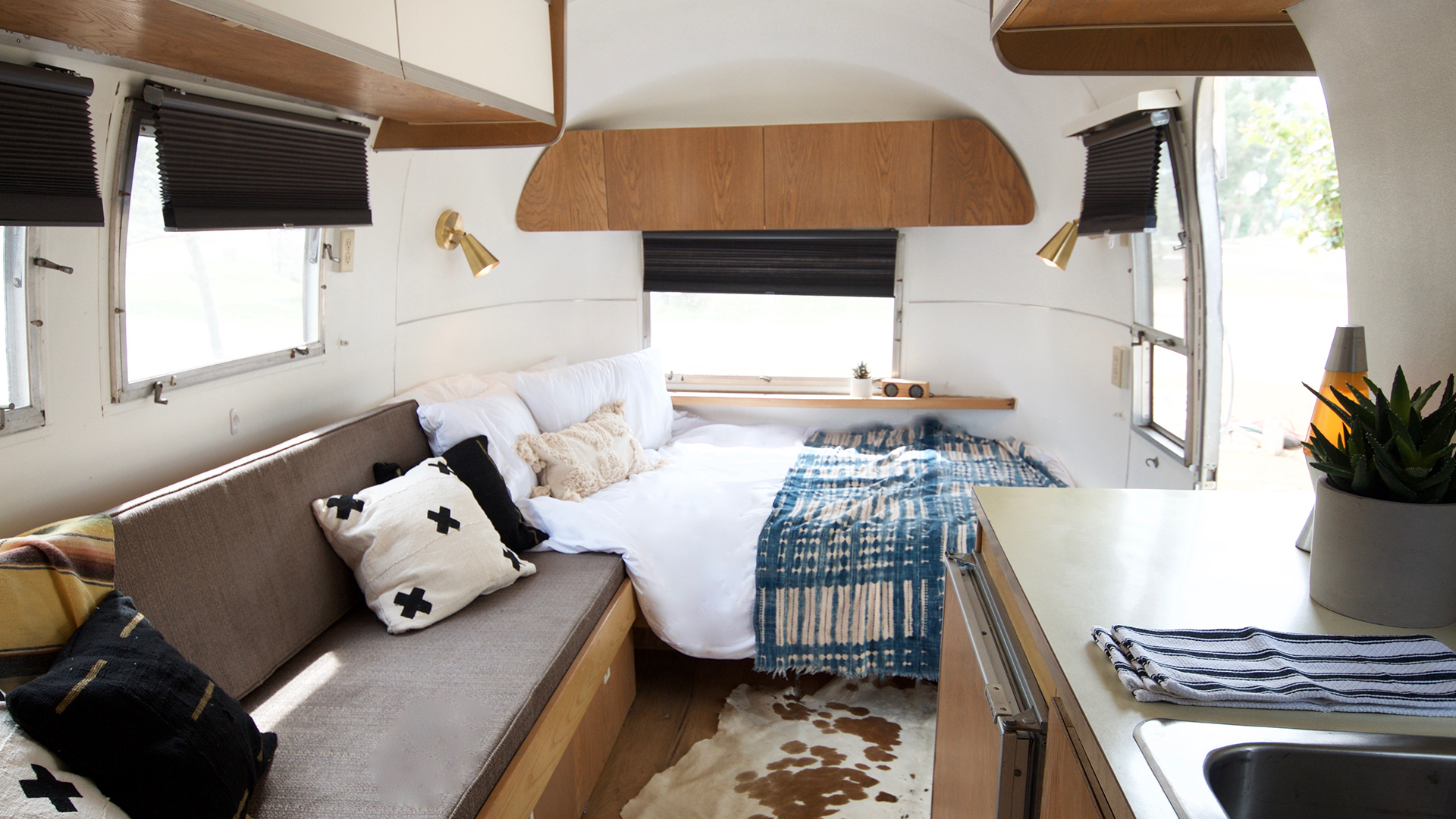 Airstream-1-Inside2