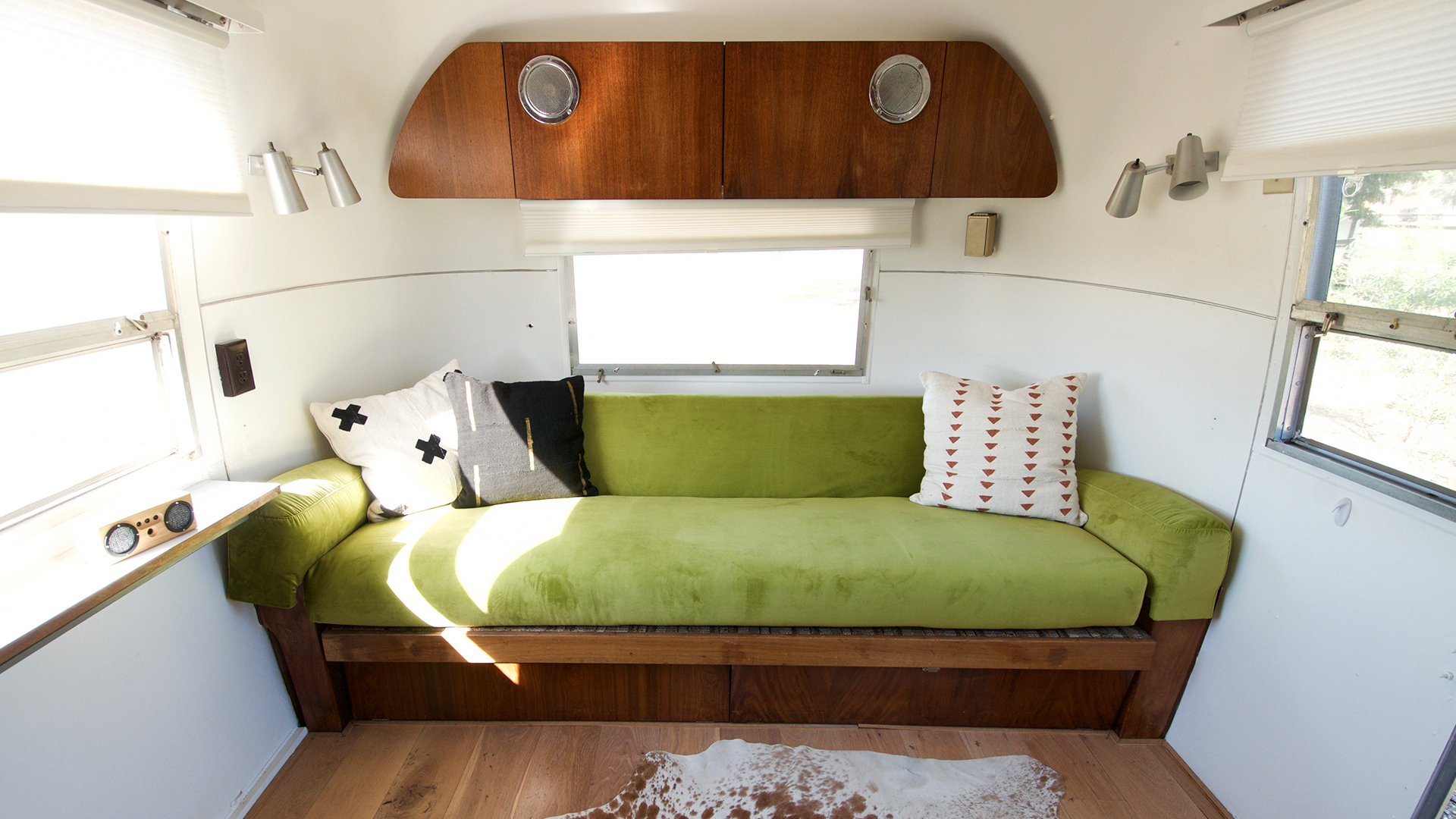 Airstream-5-Inside1