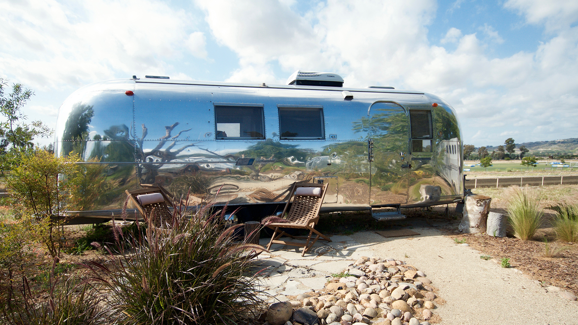 Airstream-5-Outside